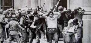represión 3