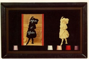 Joseph Cornell. Defense d'Afficher Object  1939