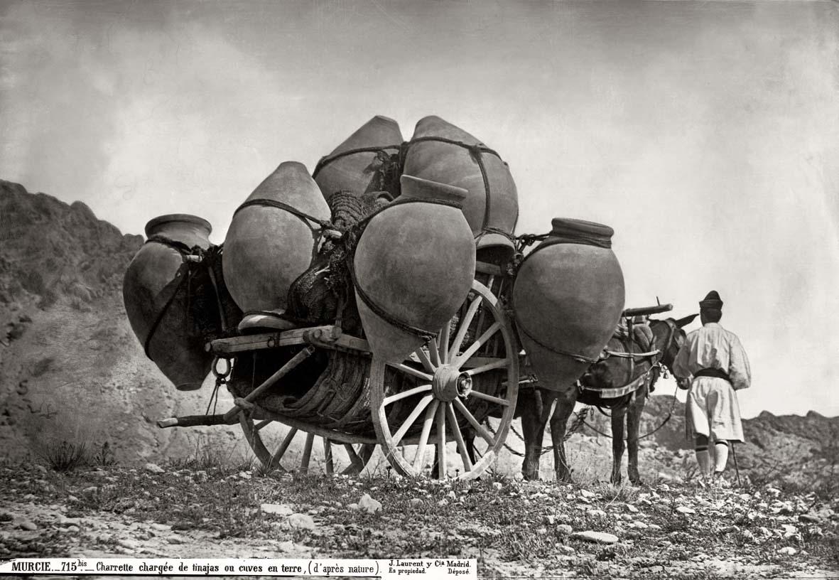 Casa fotográfica de Laurent, Carreta cargada de tinajas. Murcia. 1871