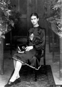 Fotografía de Frida por Guillermo Kahlo, 1926 (fotografiada por su padre antes del accidente)