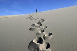 huella en la arena (1)