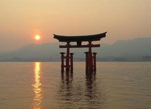 Torii flotante de itsukushima_jinja
