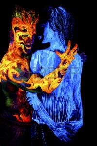 56072747-agua-copablora3te-arte-del-cuerpo-a-la-luz-ultravioleta-cuatro-elementos-aislado-sobre