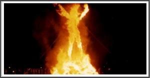 cuerpo enredador en fuego
