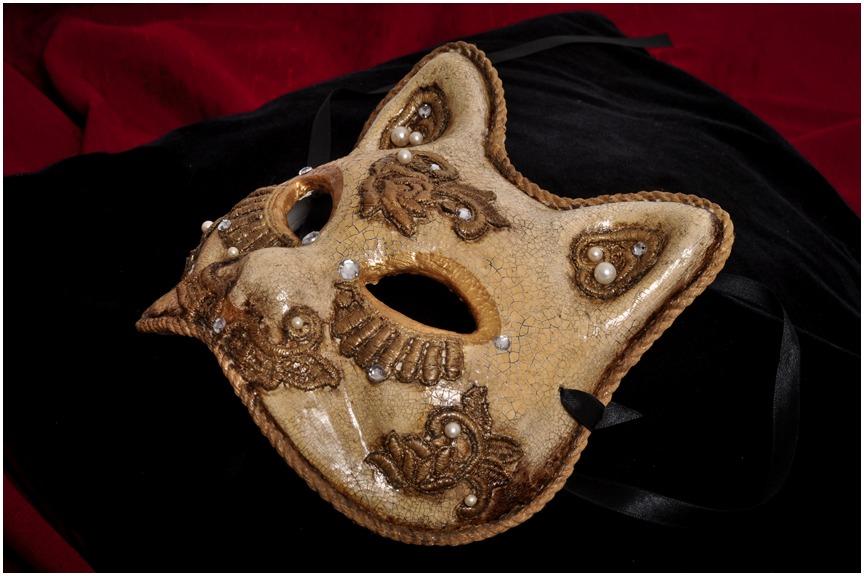 Imagen 2. mascara veneciana -cara de gato