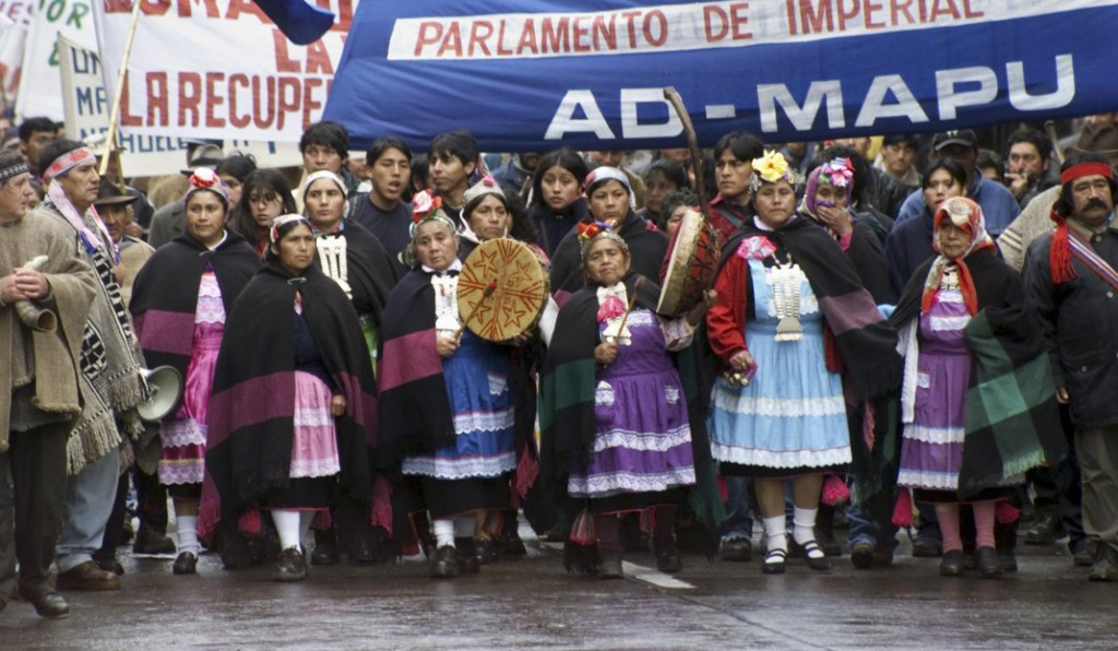 Movilización mapuche, 1999 en Nueva Imperial  (archivo Azkintuwe)