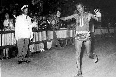 Abebe Bikila. Maratón olimpica. Roma, 1960