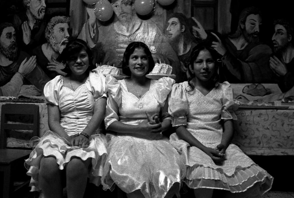 """Cecilia Larrabure. """"Tania en su fiesta de quince años"""". Fotografía del libro """"Ciertos vacíos""""."""