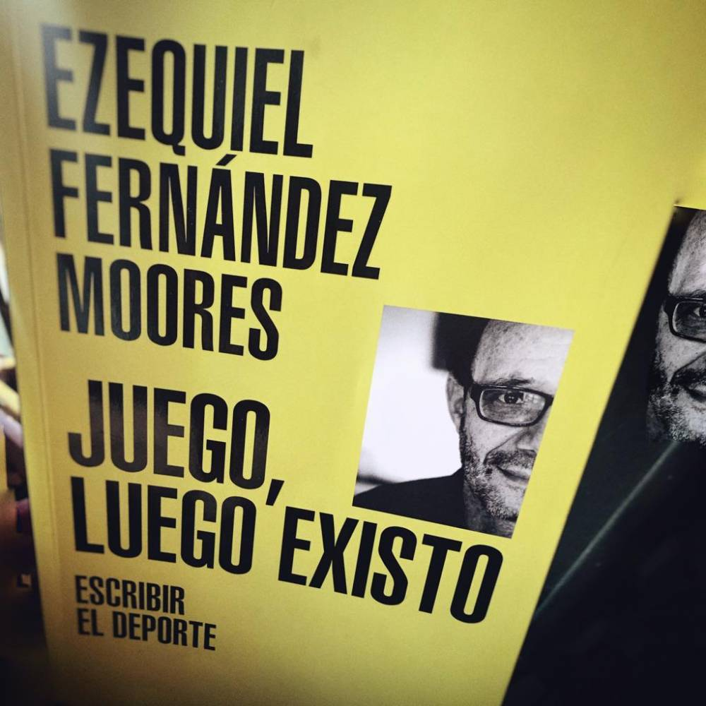 """Fotografía de tapa del libro """"Juego, luego existo."""" de Ezequiel Fernández Moores."""