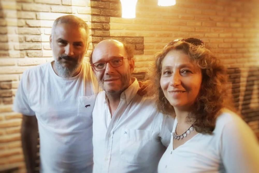 Ezequiel Fernández Moores. con el Anartista.