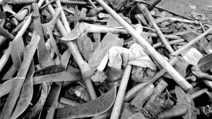 Una pila de machetes y hachas confiscadas a las milicias hutus, el 16 de julio de 1994 en la ciudad fronteriza de Goma, en Republica Democrática del Congo. Pascal Guyot - AFP