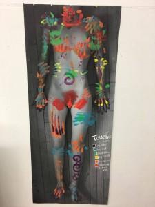 "Emma Krenzer, Emma Emma Krenzer, ""Denuncia el abuso sexual a través del arte"""